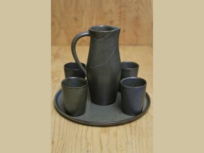 Plateau, pot à eau et 4 verres à eau